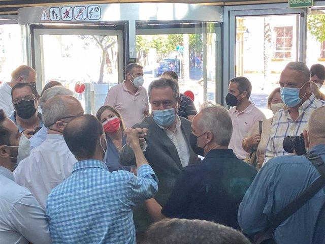 Espadas con la Ejecutiva del PSOE en Cádiz