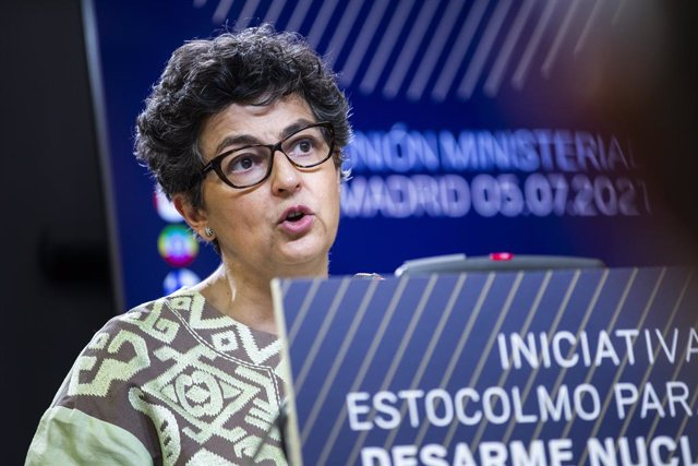 La ministra de Asuntos Exteriores, UE y Cooperación, Arancha González Laya, interviene en una rueda de prensa posterior a una reunión ministerial de la Iniciativa de Estocolmo para el Desarme Nuclear, a 5 de julio de 2021, en el Palacio de Viana, Madrid,