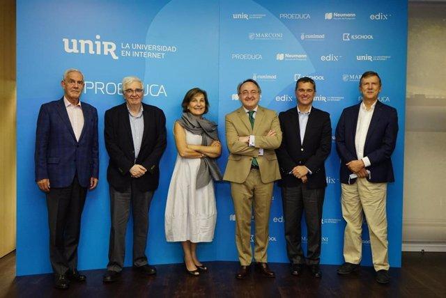 UNIR ha organizado el seminario de reflexión académica 'Retos y oportunidades de Colombia en el s. XXI', en el que han participado diversas personalidades del país sudamericano, integrantes del Consejo Asesor de UNIR Colombia