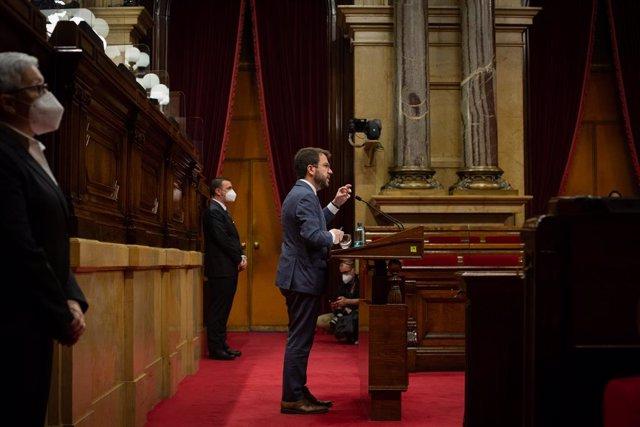 Archivo - Arxivo - El president de la Generalitat, Pere Aragonès, intervé en la primera sessió de control del nou Executiu, a 2 de juny de 2021, en el Parlament de Catalunya. Foto d'arxiu