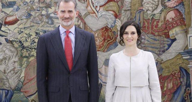 El Rey Felipe VI y la presidenta de la Comunidad de Madrid, Isabel Díaz Ayuso