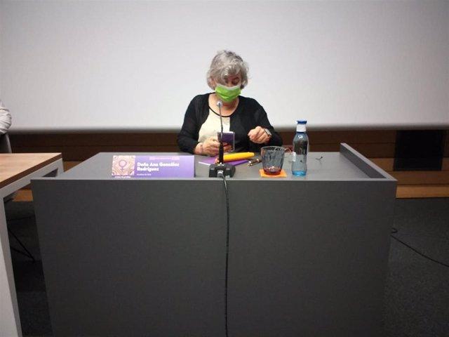 La alcaldesa de Gijón, Ana González (PSOE), en la inauguración de la XVII Escuela Feminista Rorasio Acuña, en la antigua Escuela de Comercio