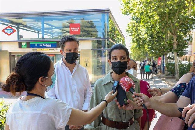 La portavoz de Vox en la Asamblea de Madrid, Rocío Monasterio, ofrece declaraciones a los medios de comunicación.