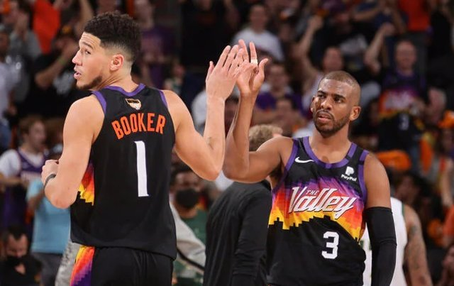 Booker y Paul (Phoenix Suns)