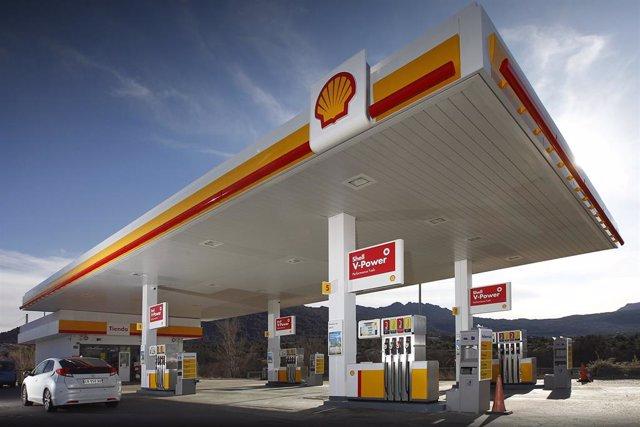 Archivo - Estación de servicio Shell