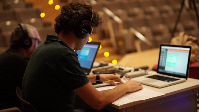 Archivo - Profesores en Artes de Grabación y Producción Musical