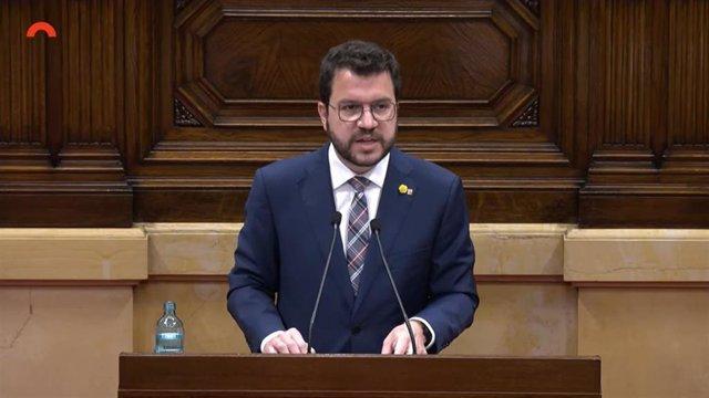 El presidente de la Generalitat, Pere Aragonès, en su comparecencia en el pleno del Parlament sobre la desjudicialización del conflicto.