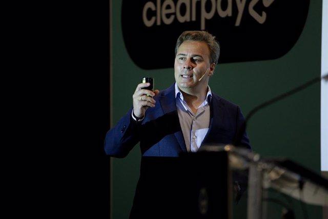 Dimas Gimeno, CEO de WOW, en su intervención en el evento B2B del sector retail E-Show Barcelona.