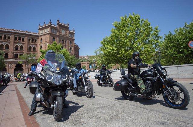 Concentración de motoristas en la Plaza de Toros de las Ventas, en Madrid, el 13 de junio