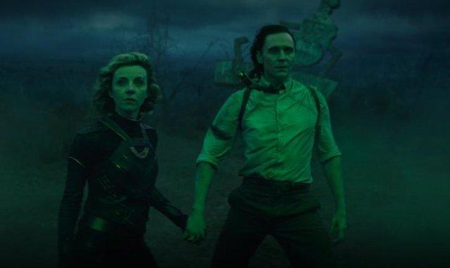 Tom Hiddleston y Sophia Di Martino al final de Loki 1x05