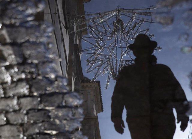 Archivo - Imagen de archivo de la iluminación navideña de Sevilla