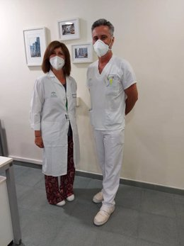 Rosa María Campos y José Manuel Montaño, de la unidad de Hematología del Hospital de Jerez.