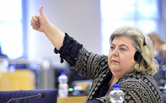 Archivo - La eurodiputada socialista, Clara Aguilera, en el Parlamento Europeo, en una imagen de archivo.