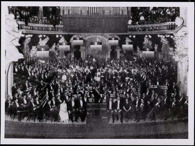 Fotografia del concert de 'La Passió segons sant Mateu' de Johann Sebastian Bach al Palau de la Música Catalana el 1921