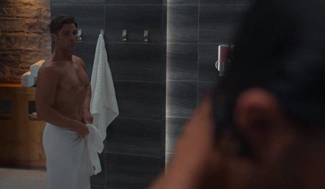 Hay un error en el polémico desnudo de Sexo/Vida... Y también es enorme