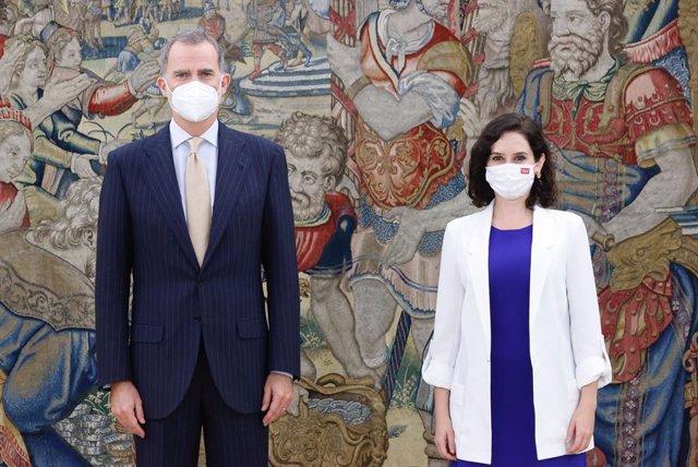 El Rey Felipe VI recibe a la presidenta de Madrid, Isabel Díaz Ayuso, en el palacio de la Zarzuela