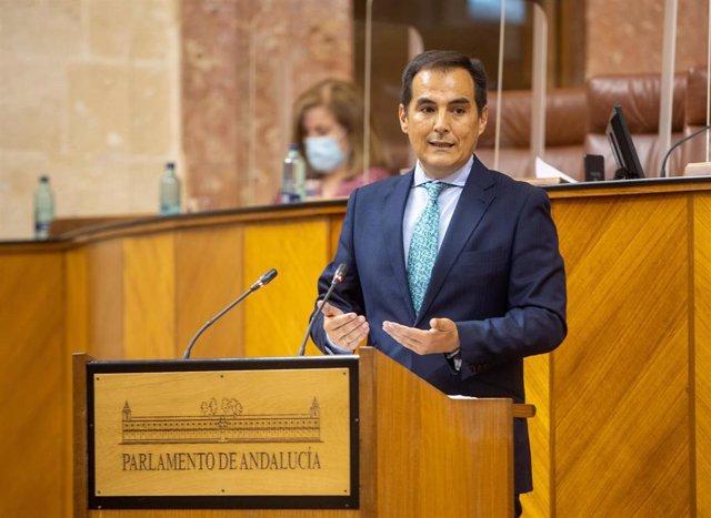 El portavoz parlamentaria del PP, José Antonio Nieto, sube al estrado en la comparecencia del presidente de la Junta a petición propia para informar sobre la situación de Andalucía, a 07 de julio del 2021 en Sevilla (Andalucía)