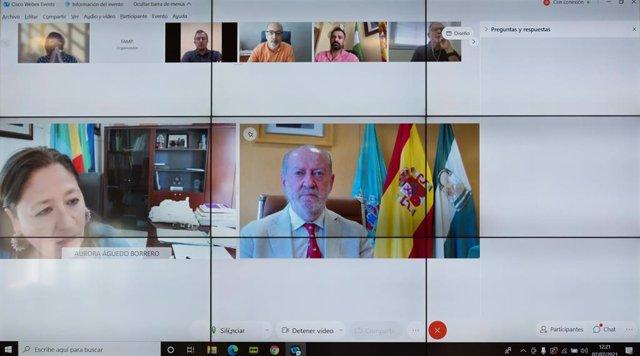 Aurora Águedo y Fernando Rodríguez Villalobos, con motivo del lanzamiento del Laboratorio para la Comunicación y el Marketing Institucional en la Administración Local
