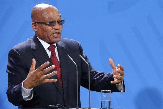 Archivo - FILED - 10 November 2015, Berlin: Jacob Zuma, then President of South Africa, speaks during a press conference in Berlin. Photo: Wolfgang Kumm/dpa