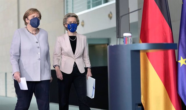 22 June 2021, Berlin: German Chancellor Angela Merkel and President of the European Commission Ursula von der Leyen (R), arrive for a joint press conference following their meeting at the Federal Chancellery in Berlin. Photo: Michael Sohn/POOL AP/dpa