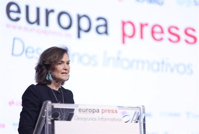 La vicepresidenta primera del Gobierno y ministra de la Presidencia, Relaciones con las Cortes y Memoria Democrática, Carmen Calvo, interviene en un Desayuno Informativo de Europa Press, a 8 de julio de 2021, en Madrid, (España).