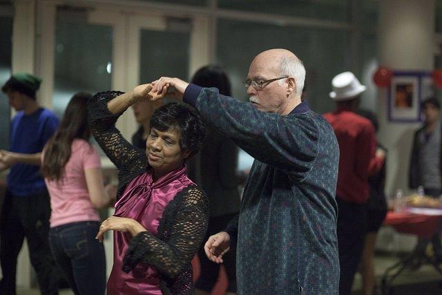 Archivo - Bachata, señores, bailar, baile