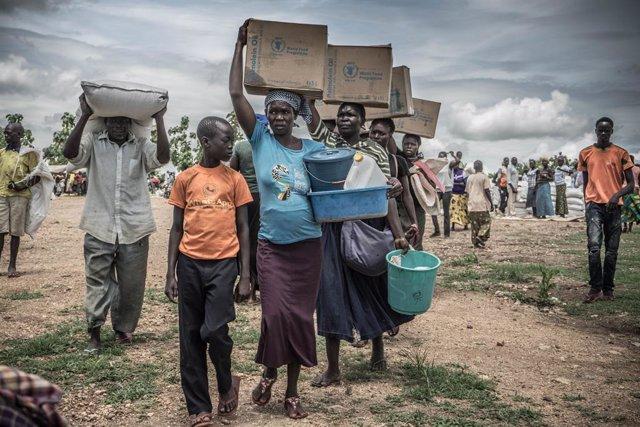 Archivo - Refugiados sursudaneses en Uganda tras huir de los combates en Sudán del Sur