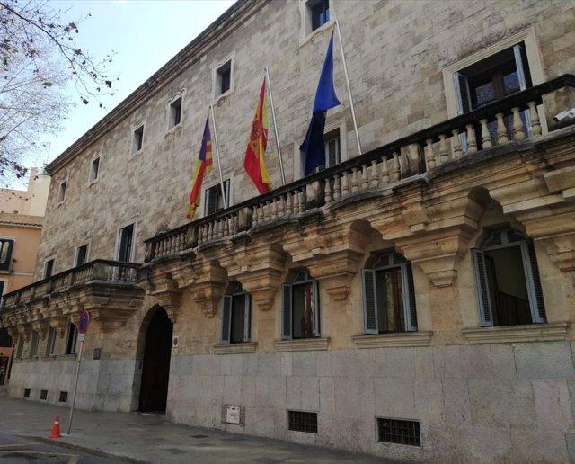 Archivo - Fachada del TSJIB y la Audiencia Provincial.