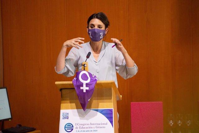 La ministra de Igualdad, Irene Montero, interviene en la inauguración del I Congreso Internacional de Educación y Género, a 7 de julio de 2021, en Soria, Castilla y León, (España). Soria celebra el I Congreso de Educación y Género desde este miércoles, 7