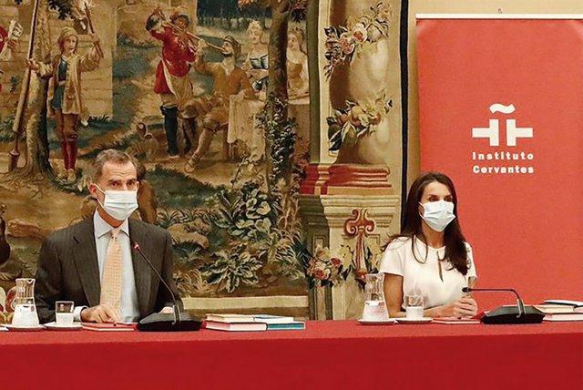Archivo - Los Reyes Felipe VI y Letizia presiden la reunión anual del Patronato del Instituto Cervantes, en el Palacio Real de El Pardo, Madrid (España), a 6 de octubre de 2020.