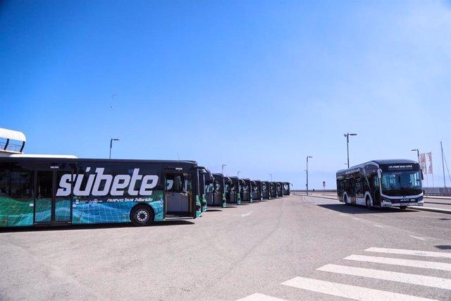 Nuevos megabuses articulados electrico-híbridos adquiridos por el Ayuntamiento de málaga de casi 19 metros