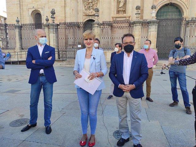 Francisco Díaz, María Cantos y Miguel Castro, los tres concejales de Cs en el Ayuntamiento de Jaén que han abandonado el gobierno local/Archivo