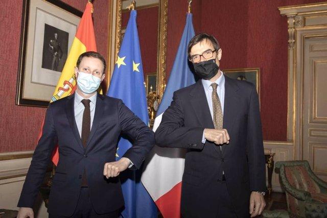 Archivo - El secretario de Estado para la UE, Juan González-Barba, y su homólogo francés, Clément Beaune