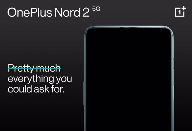 Cartel promocional del OnePlus Nord 2 5G.