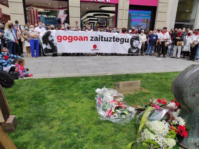 Homenaje a Germán Rodríguez en Pamplona en el 43º aniversario de su muerte por disparios de la policía.