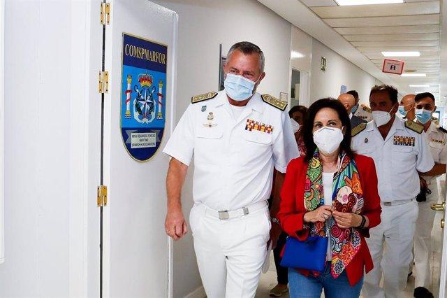 Margarita Robles en su visita a la Base Naval de Rota