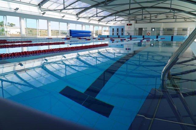 Nuevas piscinas municipales de la zona deportiva de Es Mercadal