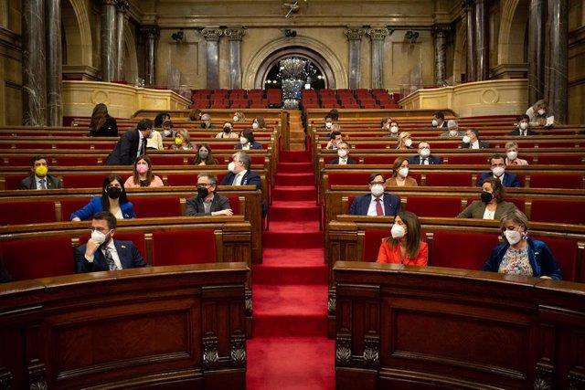 Archivo - Arxiu - Vista general del ple del Parlament de Catalunya