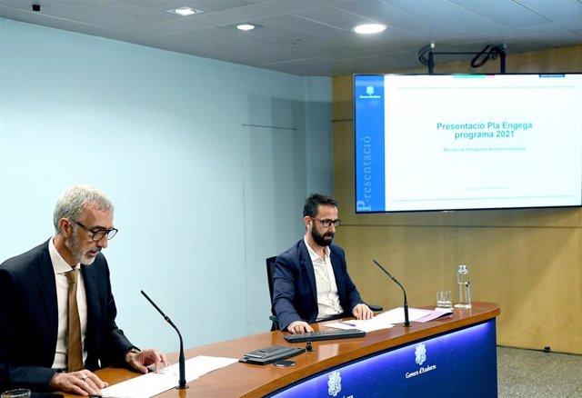 El secretario de Estado de Economía, Èric Bartolomé, y el director del departamento de Empresa, Comercio, Desarrollo Industrial y Transporte, Josep Pujol.