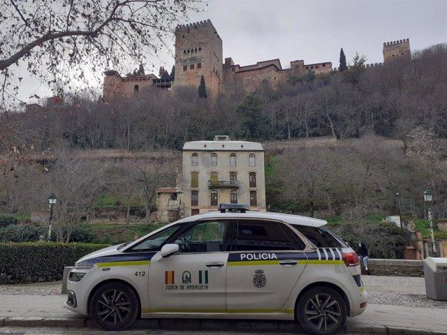 Vehículo de la Unidad de Policía Adscrita a la Junta de Andalucía