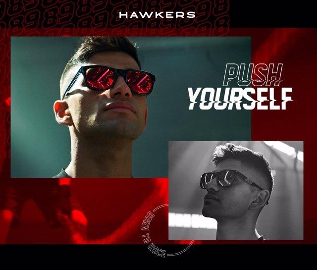El piloto español de Ducati en MotoGP Jorge Martín y embajador de la marca de gafas Hawkers.