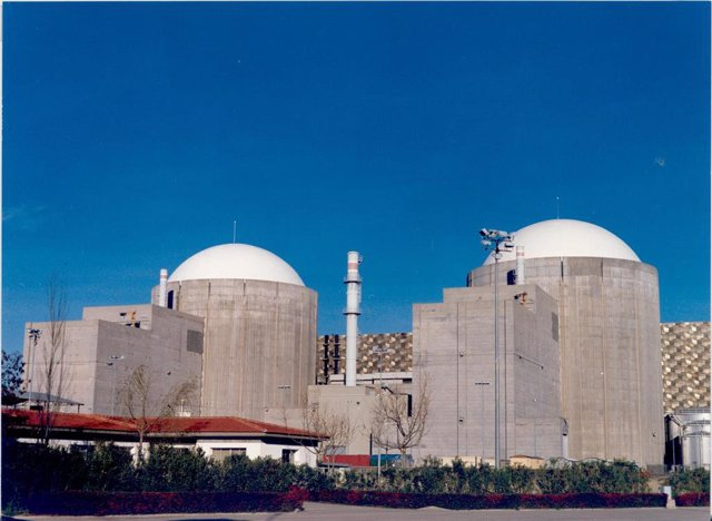 Archivo - Central Nuclear de Almaraz.