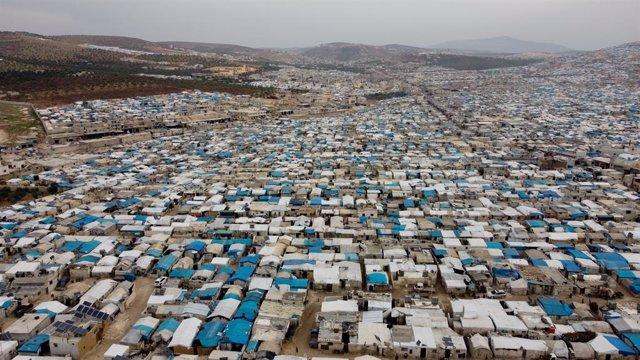Archivo - Arxiu - Campos de desplaçats d'Al Karama, en el nord-oest de Síria