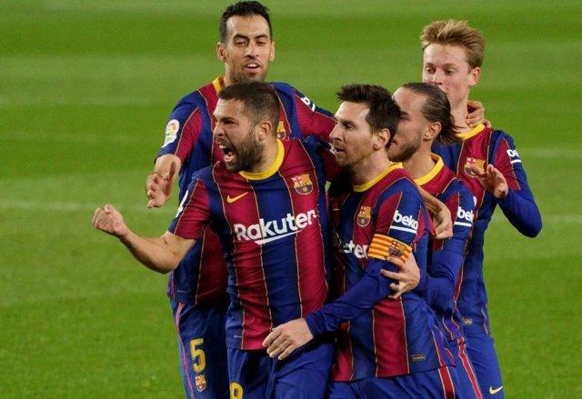 Archivo - FC Barcelona - Real Sociedad