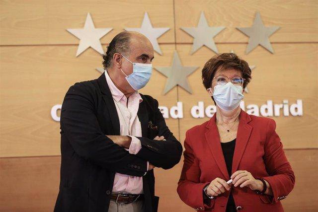 El viceconsejero de Salud Pública de la Comunidad de Madrid, Antonio Zapatero; y la directora general de Salud Pública, Elena Andradas.