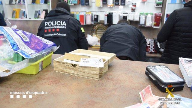 Operació de la Guàrdia Civil i els Mossos d'Equadra a Balaguer