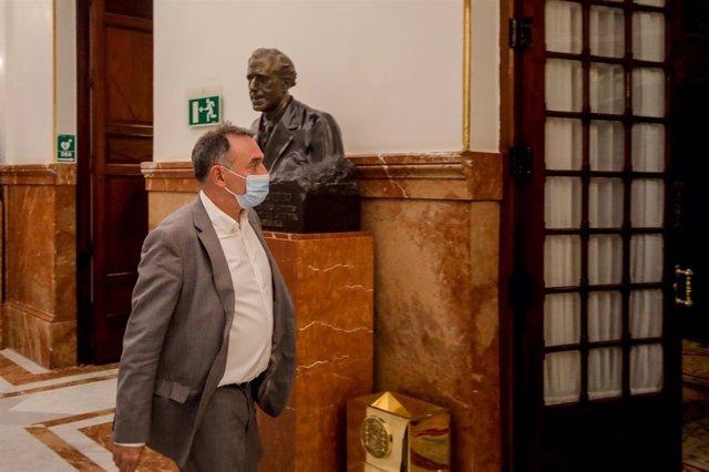 Archivo - El secretario general del PCE, diputado y uno de los portavoces de Unidas Podemos en el Congreso, Enrique Santiago, en una foto de archivo.