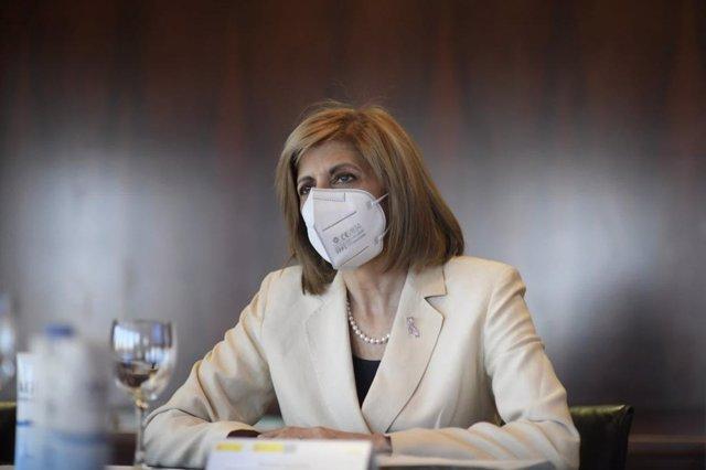 La comisaria europea de Salud y Política de Consumidores, Stella Kyriakides, en su visita al Centro Nacional de Investigaciones Oncológicas (CNIO). En Madrid, a 9 de julio de 2021.