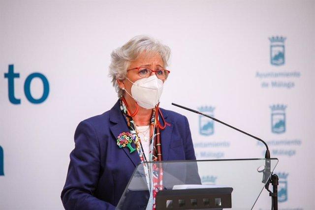 Archivo - La concejala de Servicios Operativos y responsable de la empresa municipal, Teresa Porras, en rueda de prensa