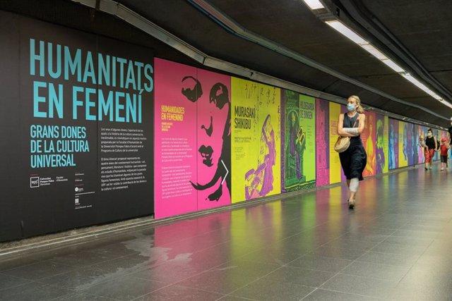 Mural sobre dones cèlebres de la cultura universal a l'estació Ciutadella/ Vila Olímpica de l'L4 del Metro de Barcelona